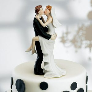 Kissing Couple Cake Topper Light Skin Tone